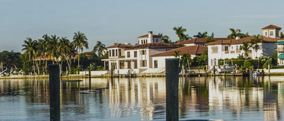 Beach & Waterfront Homes for in Port Royal Naples FL